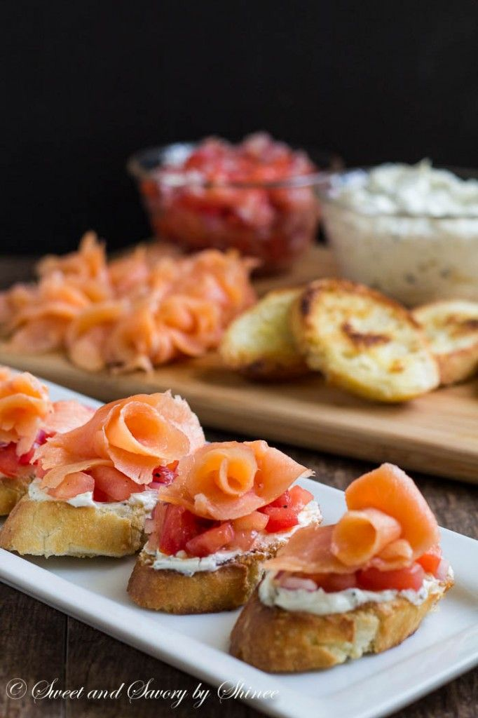 smoked salmon crostini rezept sweet savory by shinee pinterest essen vorspeise und. Black Bedroom Furniture Sets. Home Design Ideas