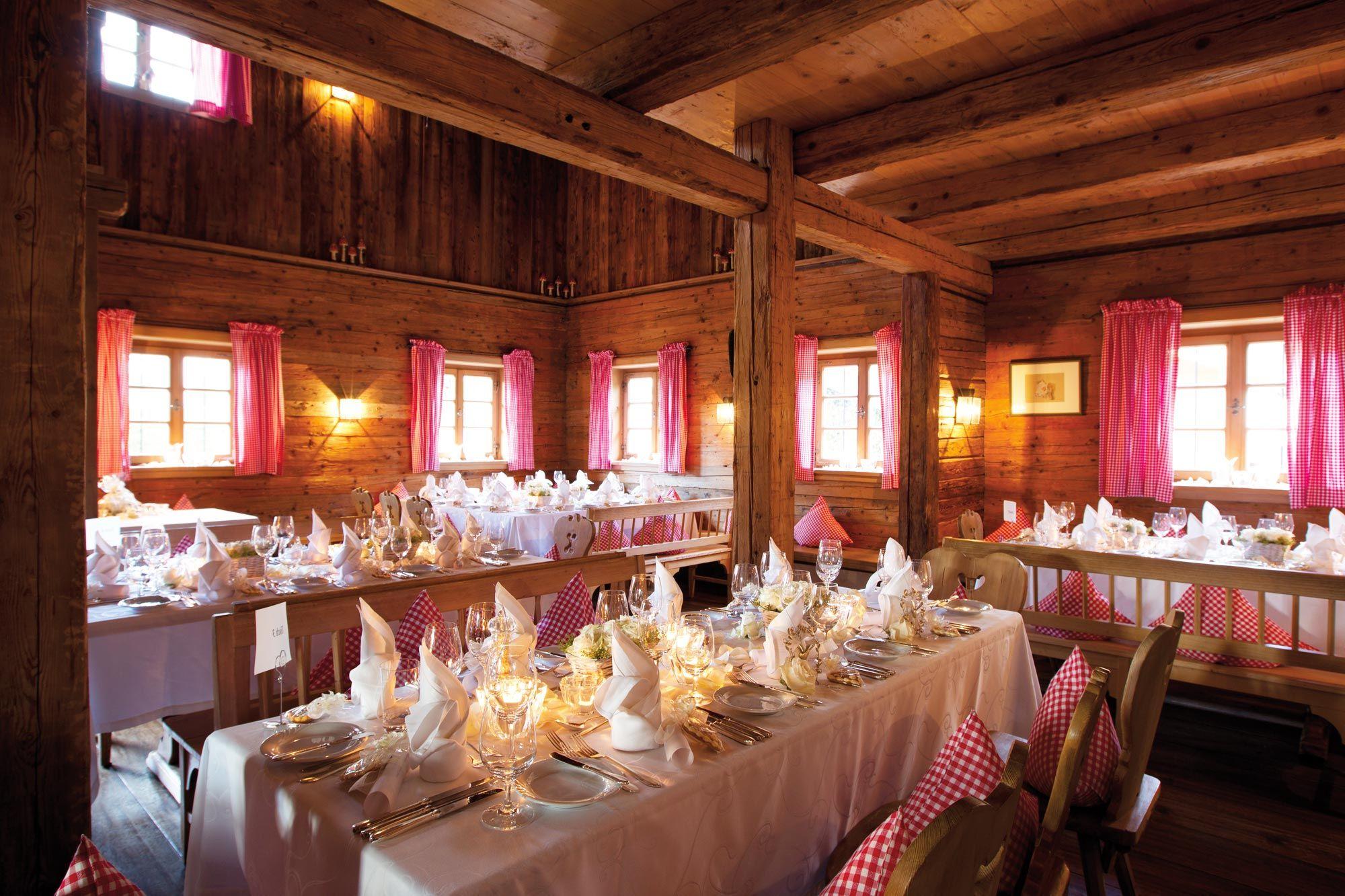 Hotel Egerner Alm Http Www Egerner Hoefe De De Egerner Hoefe Ihr 5 Sterne Hotel In Rottach Egern Tegernsee Berghochzeit Hochzeitslocation Heiraten
