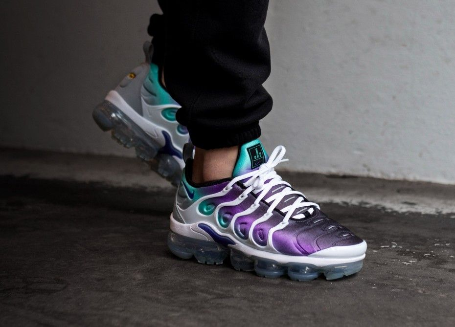 Nike Air Vapormax Plus White Fierce Purple Aurora Green Black