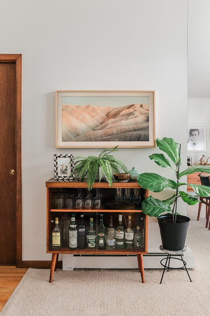 Tour Our Casual Mid Century Living Room Dream Green Diy In 2020