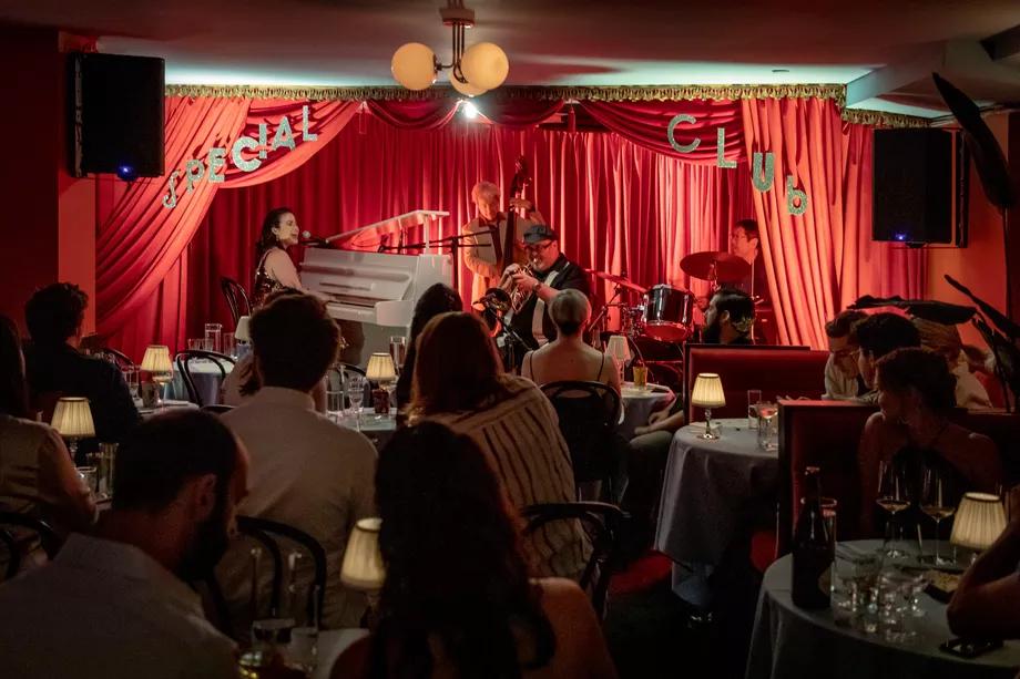 Nightlife Hitmaker Ariel Arce Opens A Seductive Retro Jazz Club In Soho Live Music Bar Nyc Bars Live Music