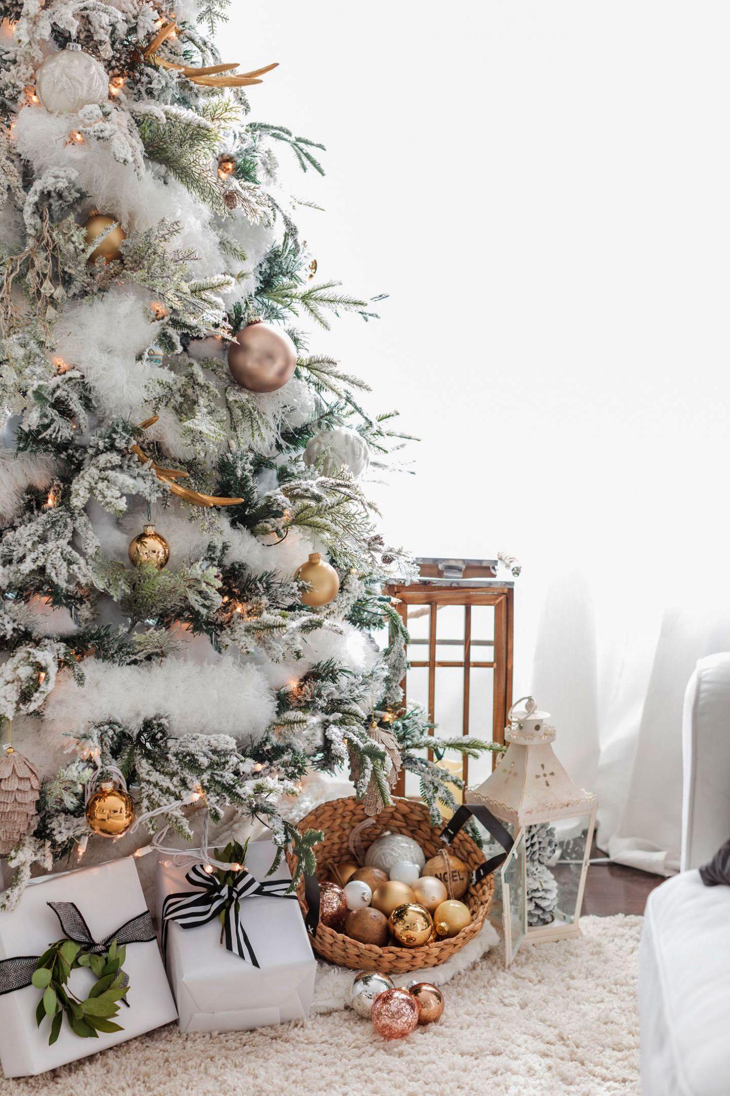 Bucilla Christmas Tree Skirt Kit Candy Express As Christmas Gift Ideas Till Christmas Tr Rose Gold Christmas Flocked Christmas Trees Christmas Tree Decorations