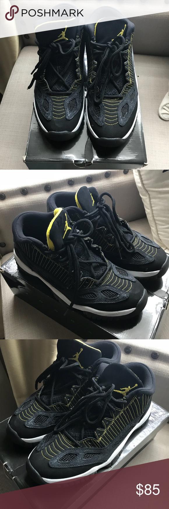 c89f971df1d7 Nike Air Jordan 11 Retro low Men Size 9 Nike Air Jordan 11 Retro low Men  Size 9 Black and yellow Great shape OG box Jordan Shoes Athletic Shoes
