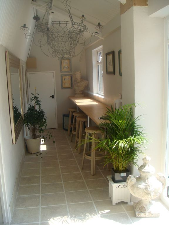 The light and fresh spa is great for relaxing and chatting whilst on ...