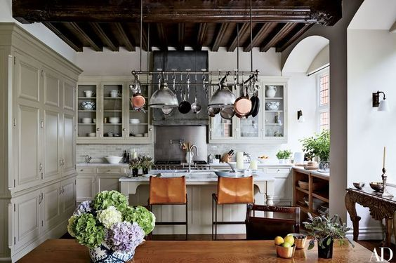 An interior design decorating and diy do it yourself lifestyle 50 favorites for friday style at home solutioingenieria Image collections
