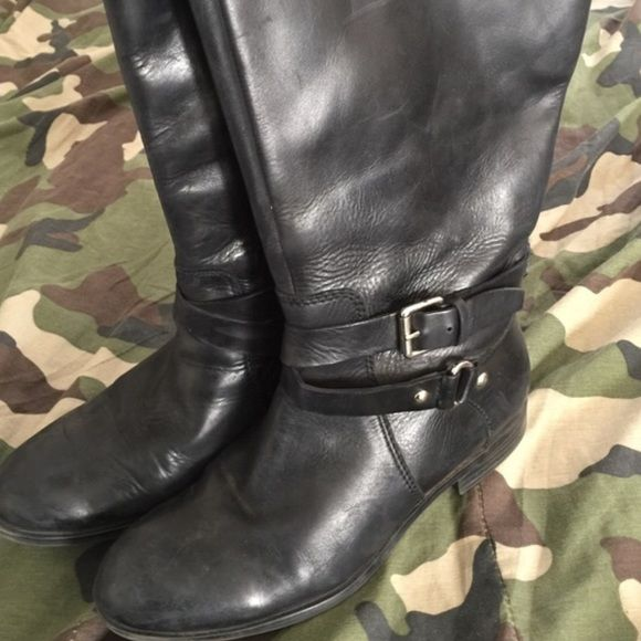Enzo wide calf riding boots Great wide calf leather riding boots, very comfortable! Same exact boots as the tan boots Enzo Angiolini Shoes