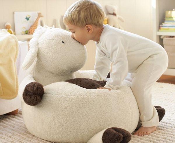 kuscheltier kinderzimmer gestaltung idee sitzsack kinder pinterest kuscheltiere. Black Bedroom Furniture Sets. Home Design Ideas