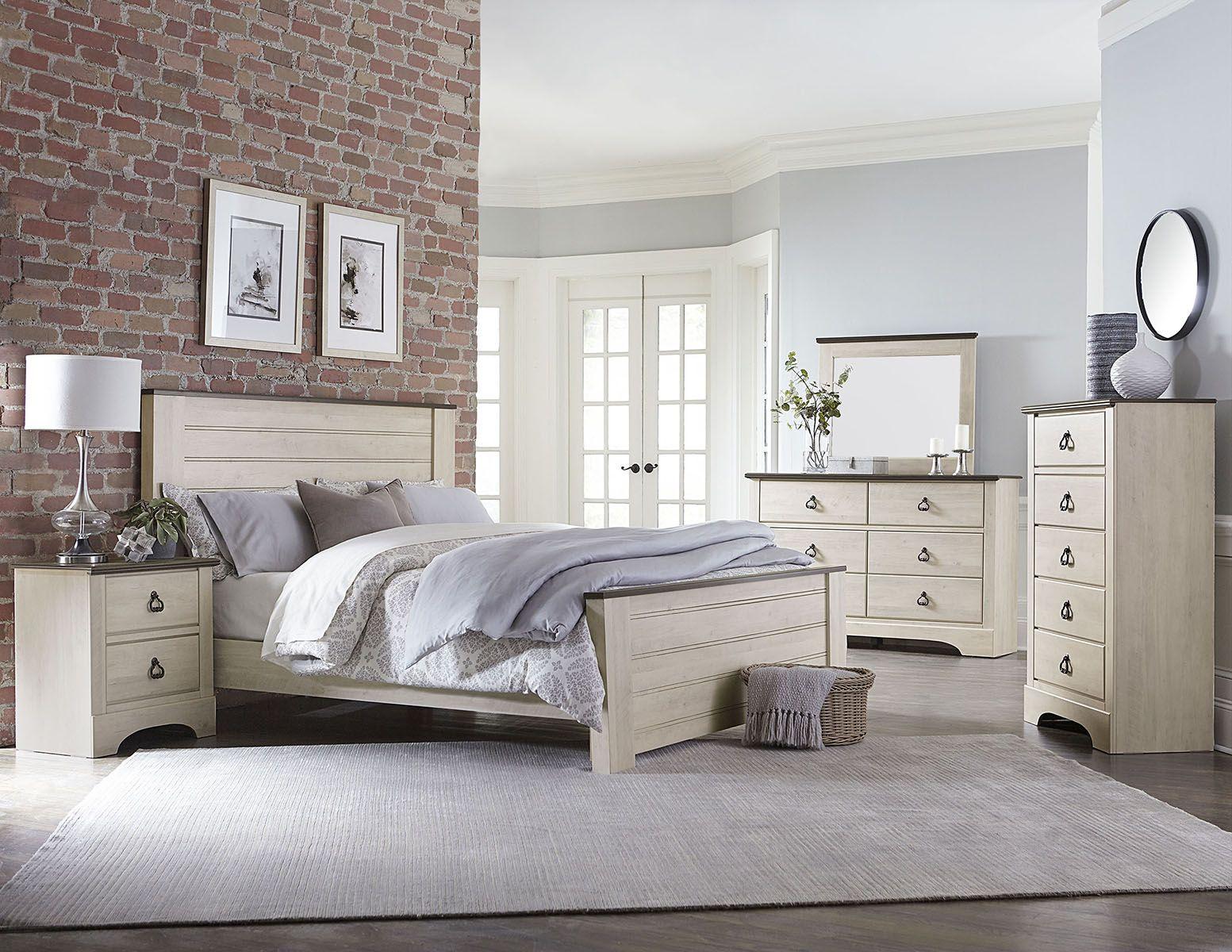 Standard Rivervale 4pc Distressed Poster Bedroom Set in