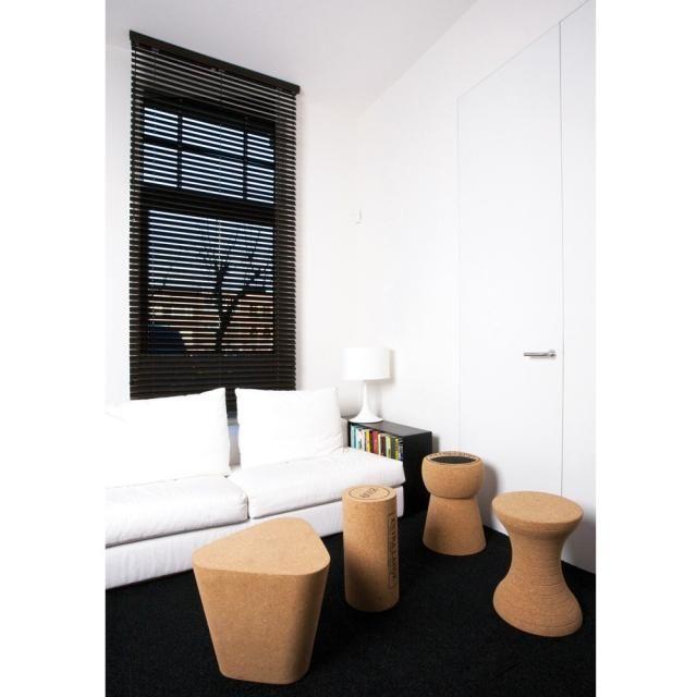 tabouret design bouchon de champagne xl boom 275 00 poufs tabourets bouchon li ge. Black Bedroom Furniture Sets. Home Design Ideas