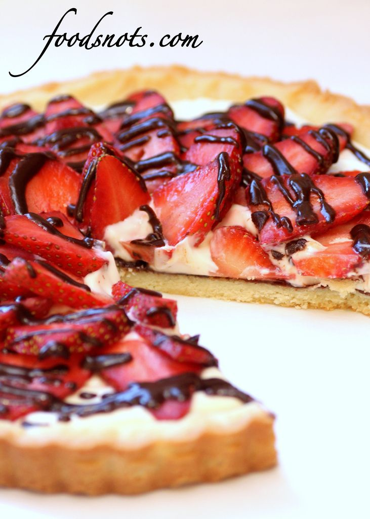 Strawberry Cream Cheese Tart, das können wir mit frischen Erdbeeren vom Feld machen