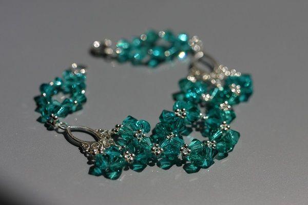 beaded bracelet based on Swarovski crystals
