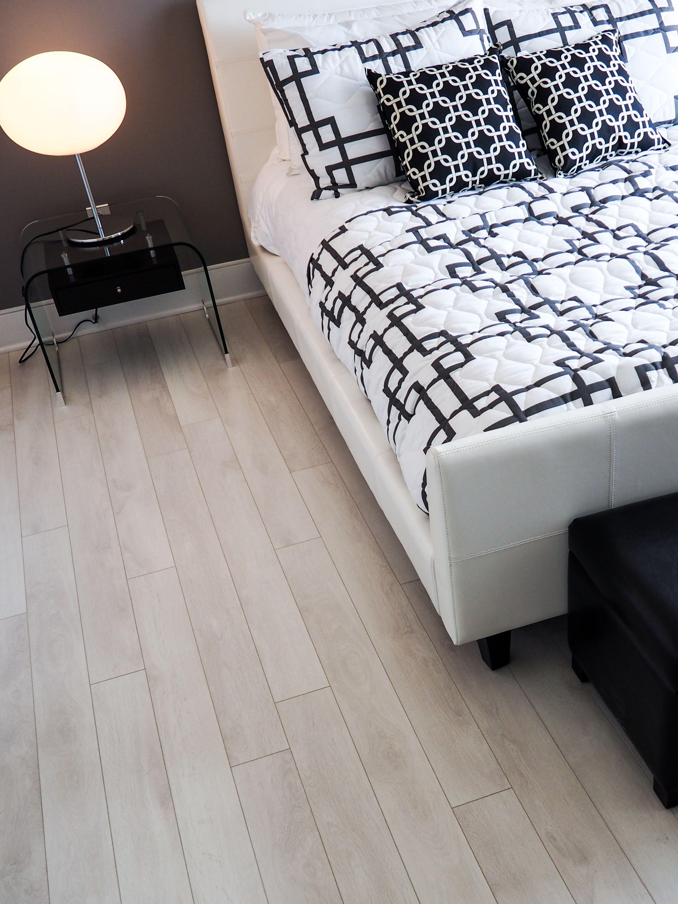 Réalisation du plancher de la chambre à coucher, Chêne