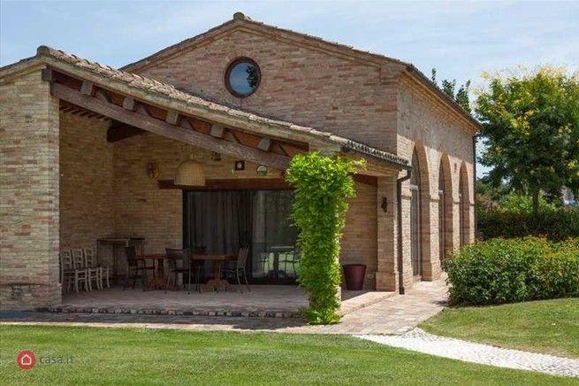 Rustico casale in vendita a morrovalle 29295963 casa for Case rustiche moderne