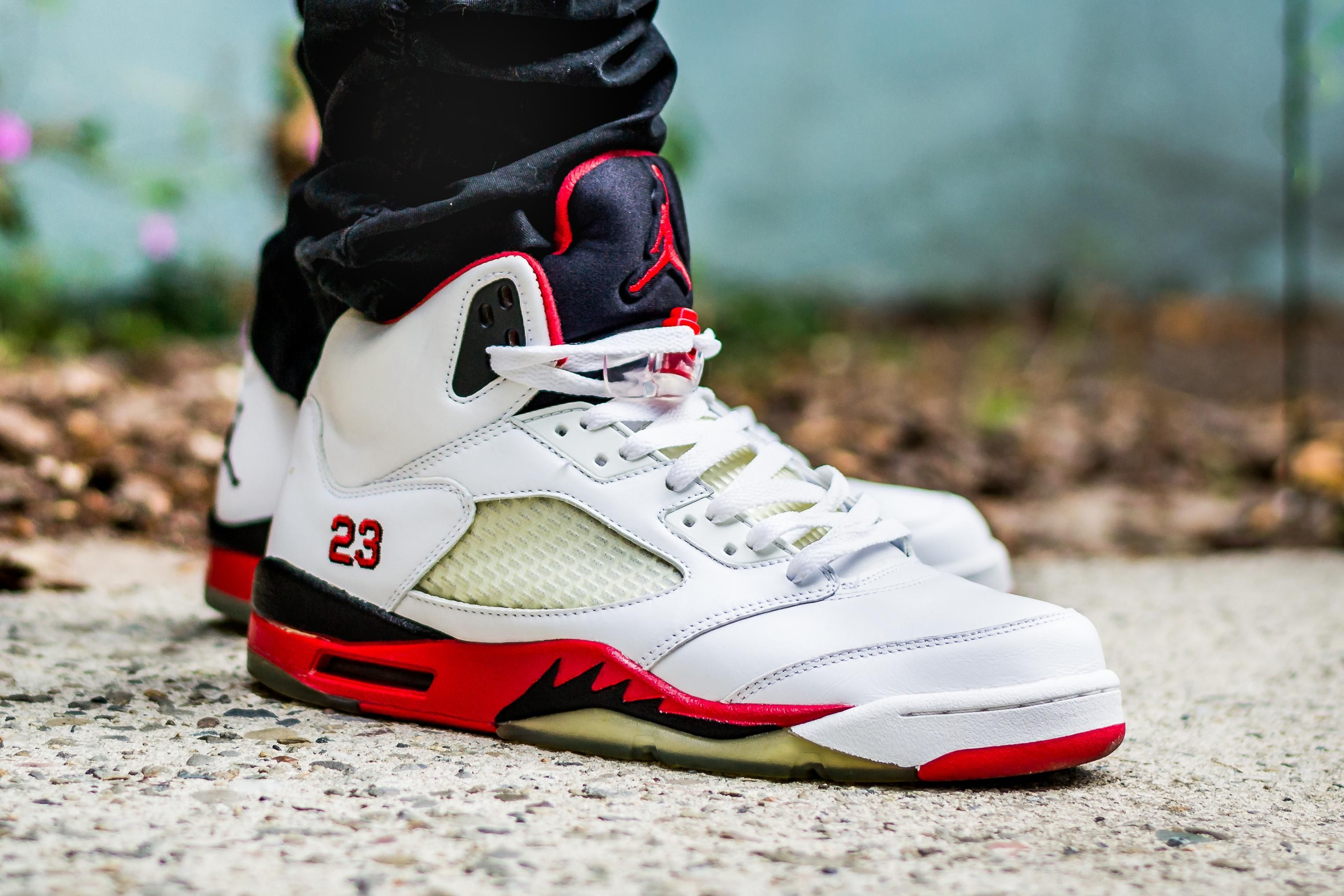 559e269d983e WDYWT  2006 Air Jordan 5 Fire Red