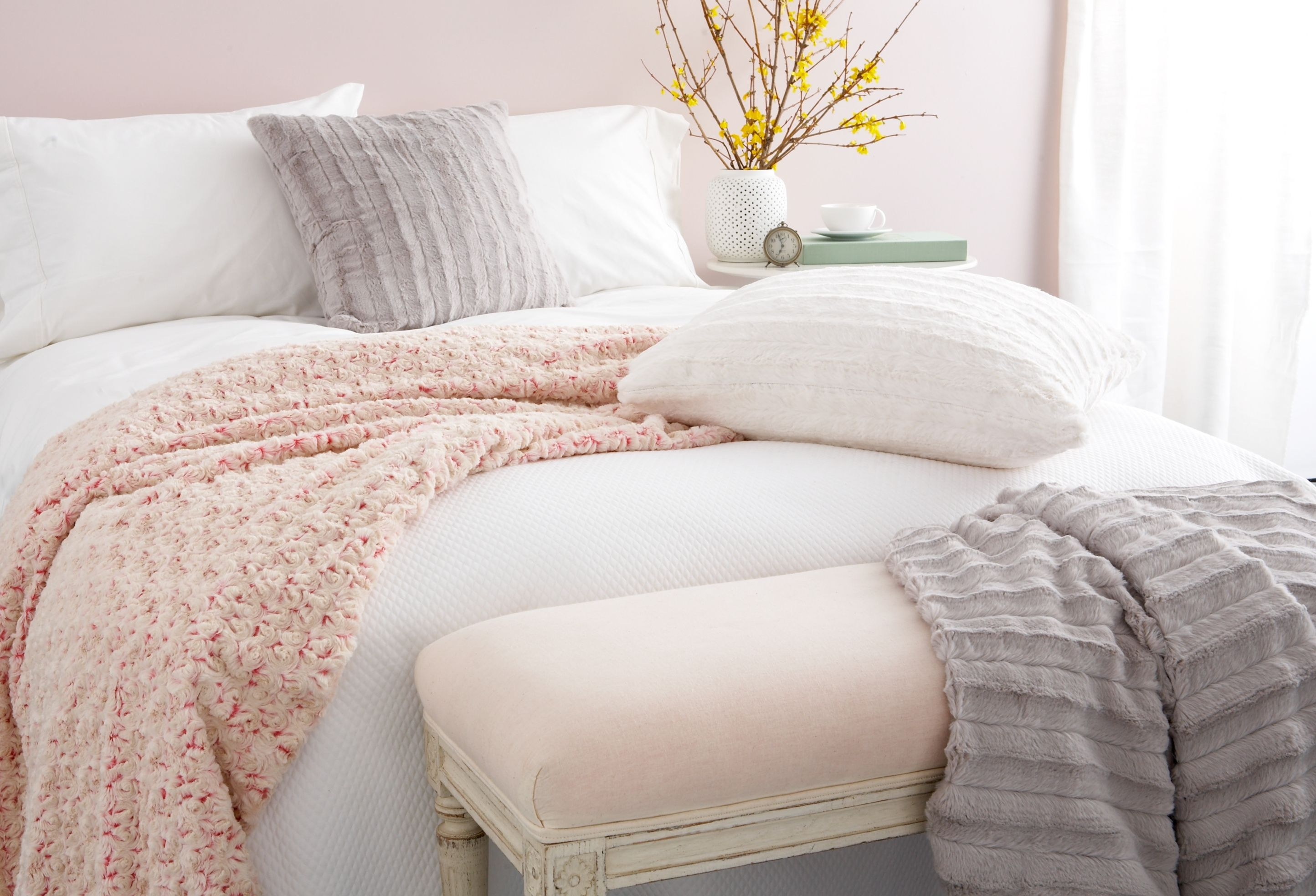 Best Loving The Soft Colors And Textures Onekingslane Room 400 x 300