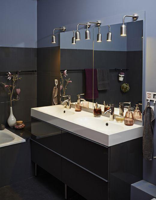 Ikea Deutschland Mit Duftkerzen Und Frischen Blumen Auf Godmorgon Waschbeckenschrank Mit 4 Schubladen Hochglanz Gra Badezimmer Ikea Zuhause Zimmereinrichtung