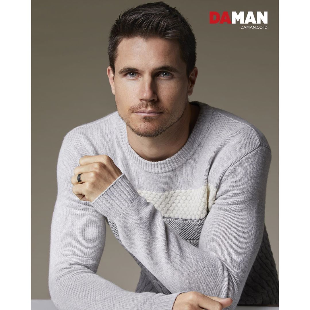 "Robbie Amell News on Instagram ""Robbie Amell for Da Man"