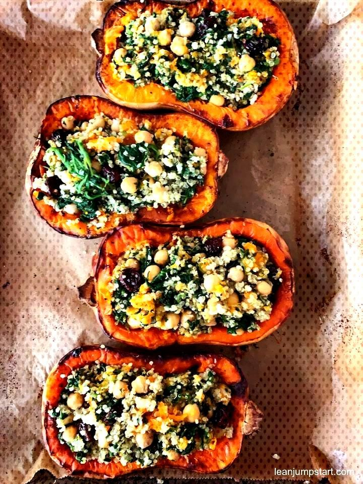 Stuffed butternut squash with quinoa and cranberries - This delicious stuffed butternut squash wit