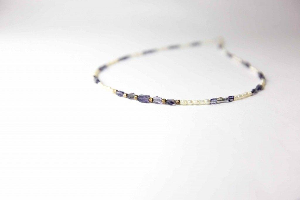 Ref. 1049 Collar de lolitas (iolita) con perlas arroz.