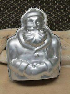 Vintage Santa Claus Mold Collectible Aluminiun Home Decor Holiday Baking Utensil