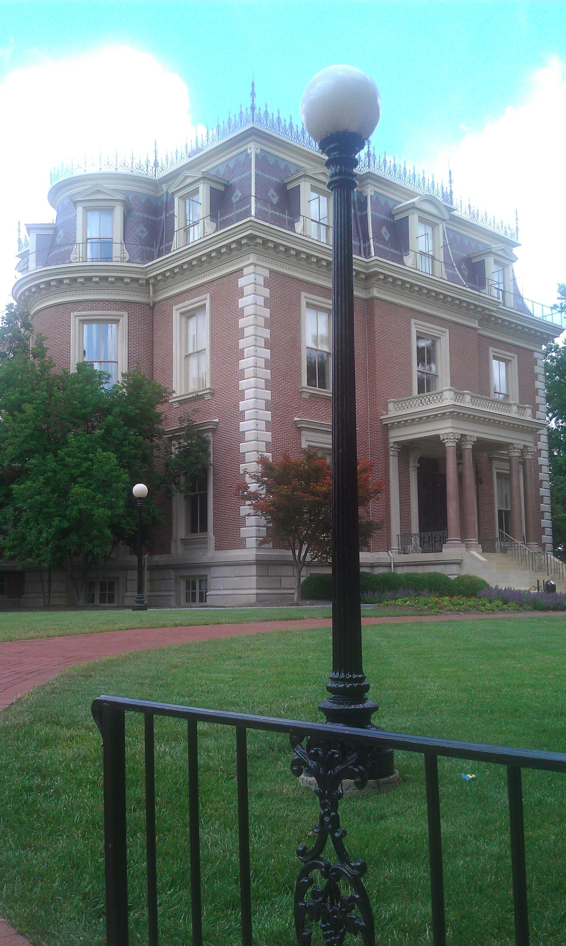 governor house Jefferson City, MO taken by Ara Burrows