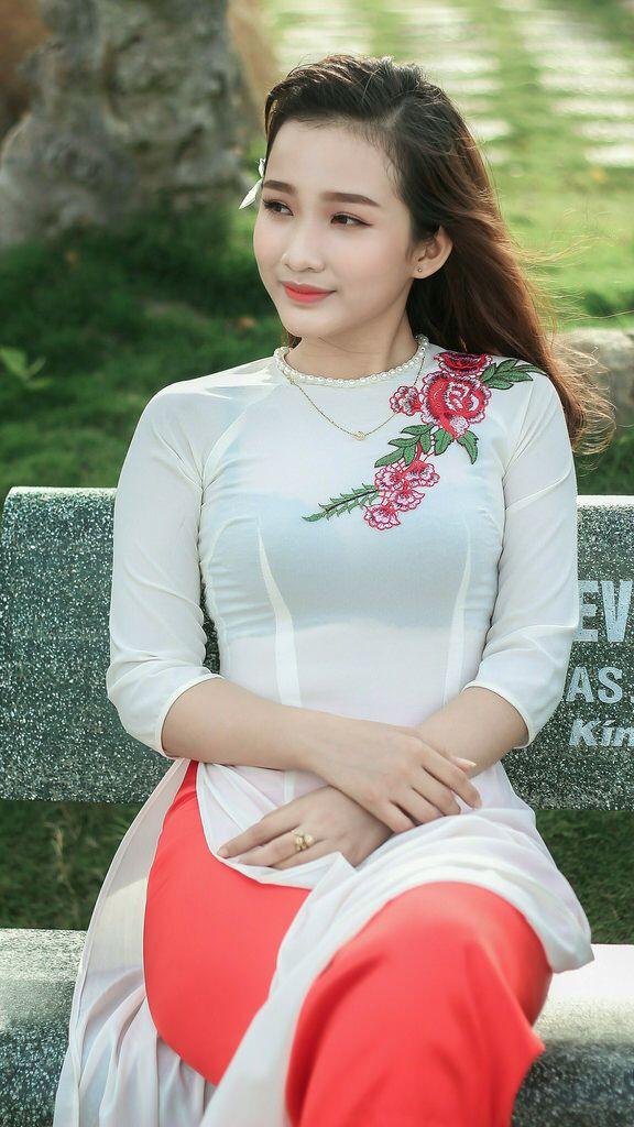 Vietnamese long dress (Ao dai) | Áo dài, Phụ nữ, Nữ thần