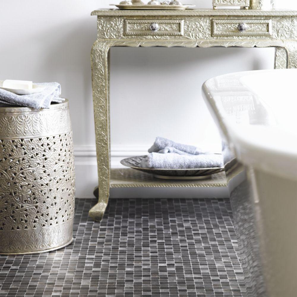 Vintage Bathroom;practical Flooring #vinyl #bathtime