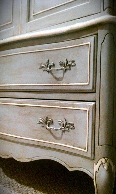 Paris Grey And Old White Annie Sloan Chalk Paint Restauracion De Muebles Pintura De Muebles Muebles Patinados