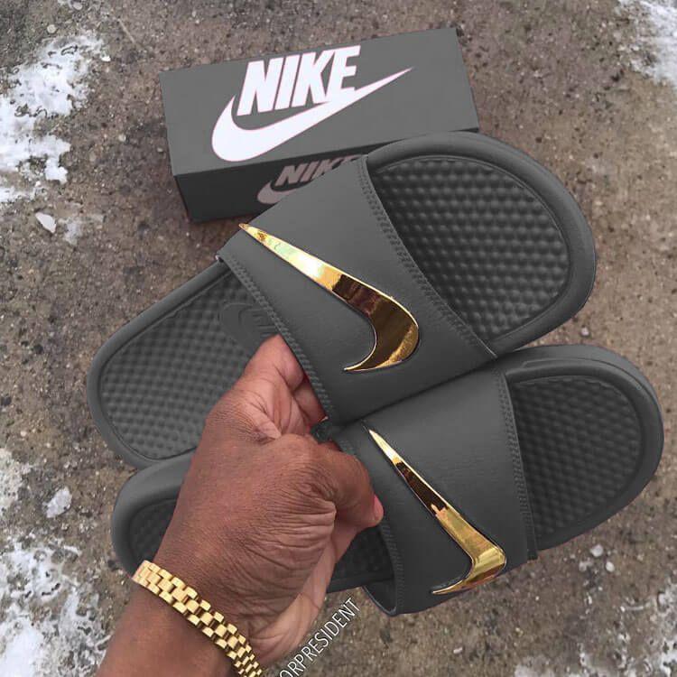 old style nike flip flops