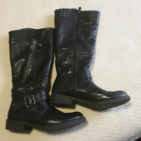 Barely worn very comfy mid leg extreme Shoes Heeled Boots