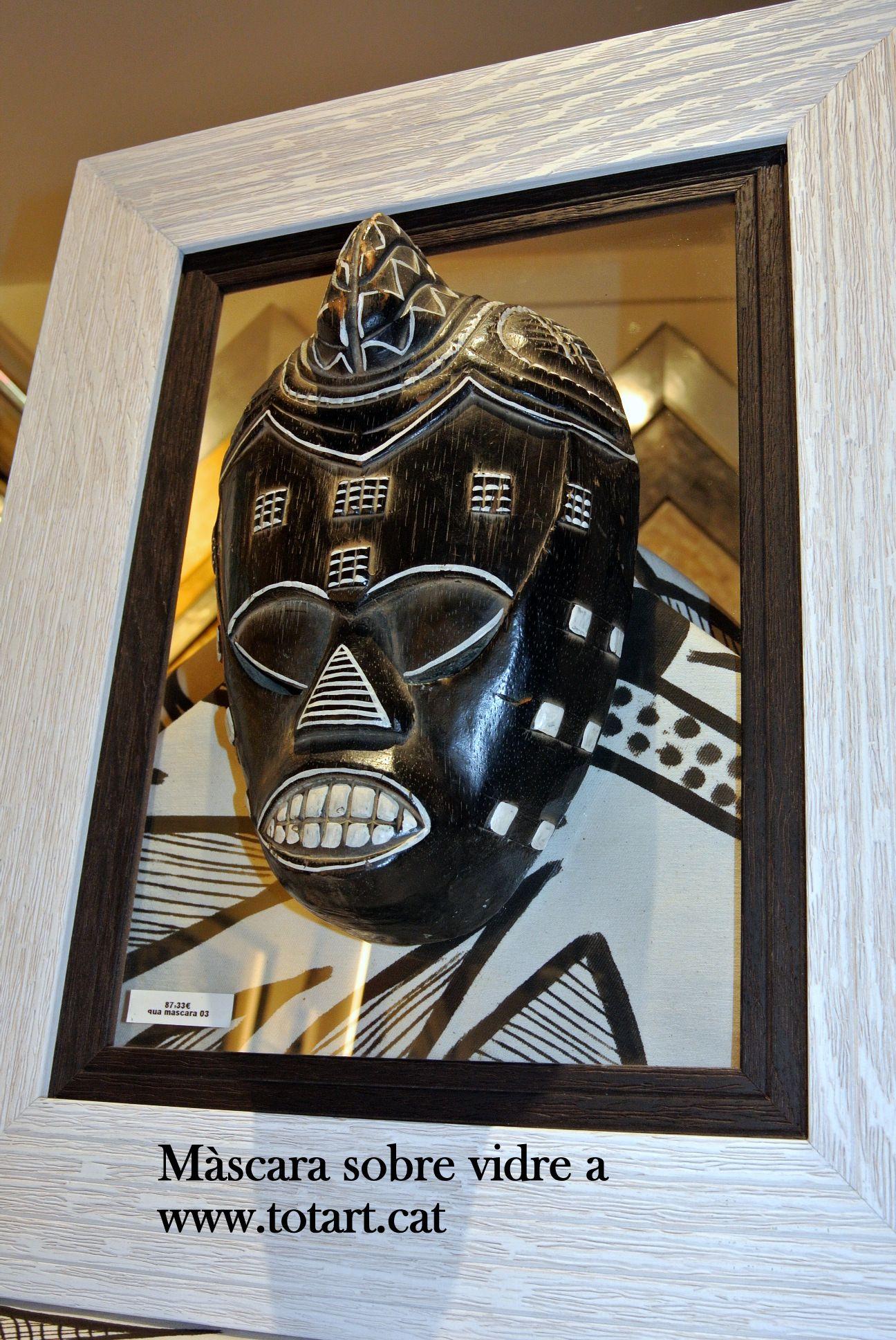 Enmarcado de m scara en barcelona tienda de enmarcaci n a for Enmarcar cuadros en casa