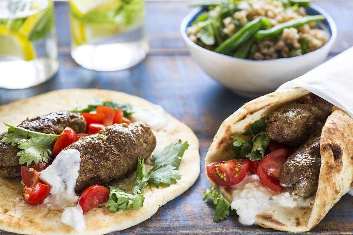 Pitas au Bœuf Marocain et Salade d'Épeautre avec Haricots Verts et Roquette