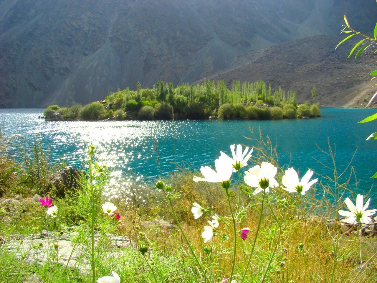 Pakistan  http://www.flickr.com/photos/faisalrafiq/3522826353/