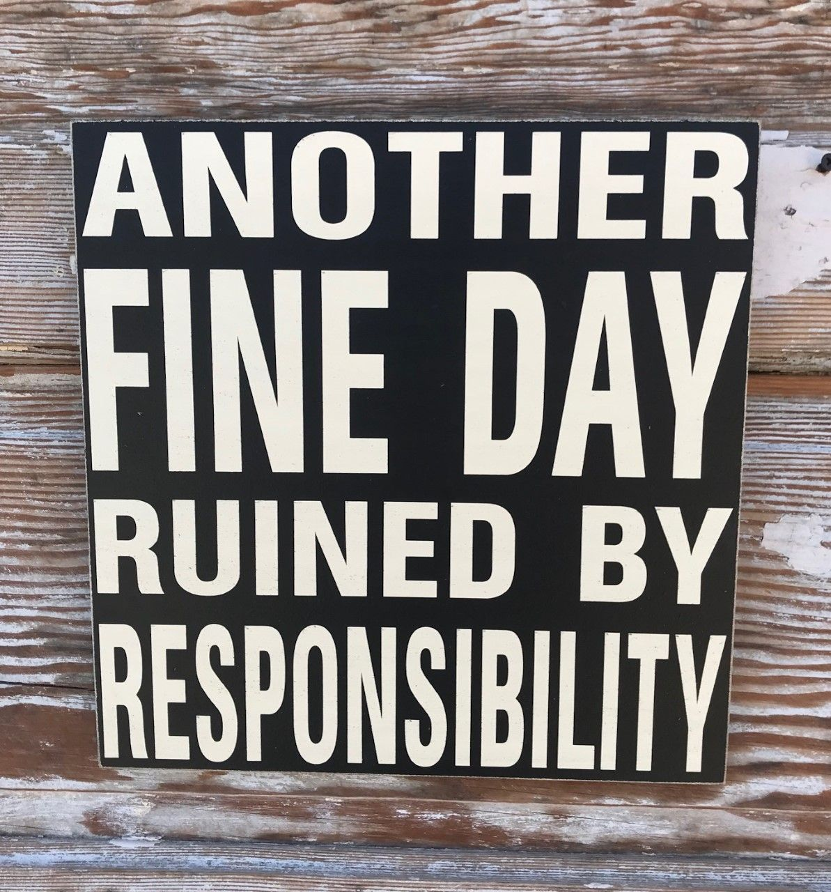 Latest Totally Free Barn Wood Signs Popular Using The Services Of Reclaimed Real Wood Continues To Be Fairly Fav In 2020 Funny Wood Signs Wood Signs Wood Signs Sayings