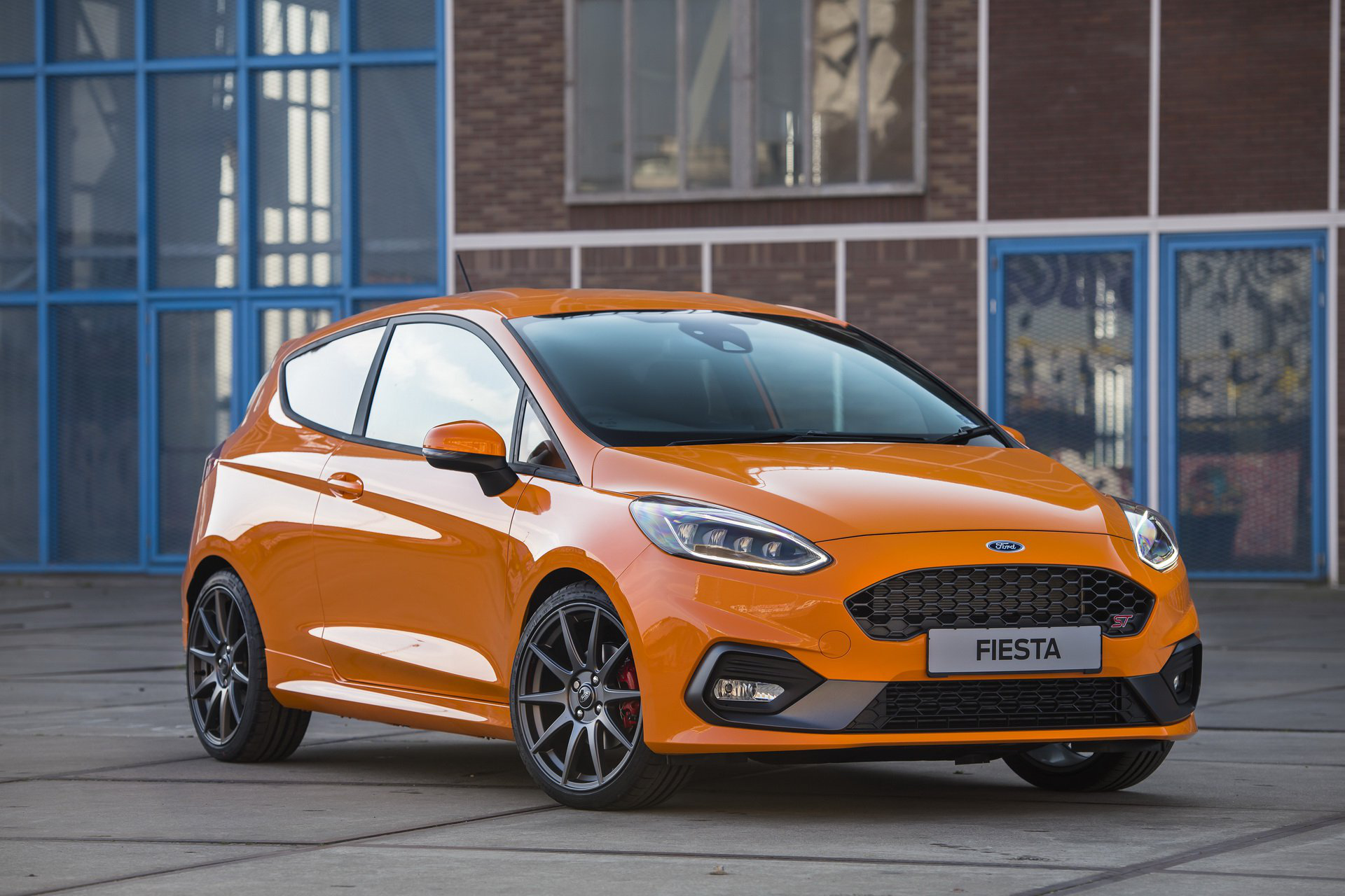 New Ford Fiesta St Performance Is A Uk Only Limited Edition Carmojo The Fiesta St Performance Features A Bespoke Coi Ford Fiesta St Fiesta St Ford Fiesta