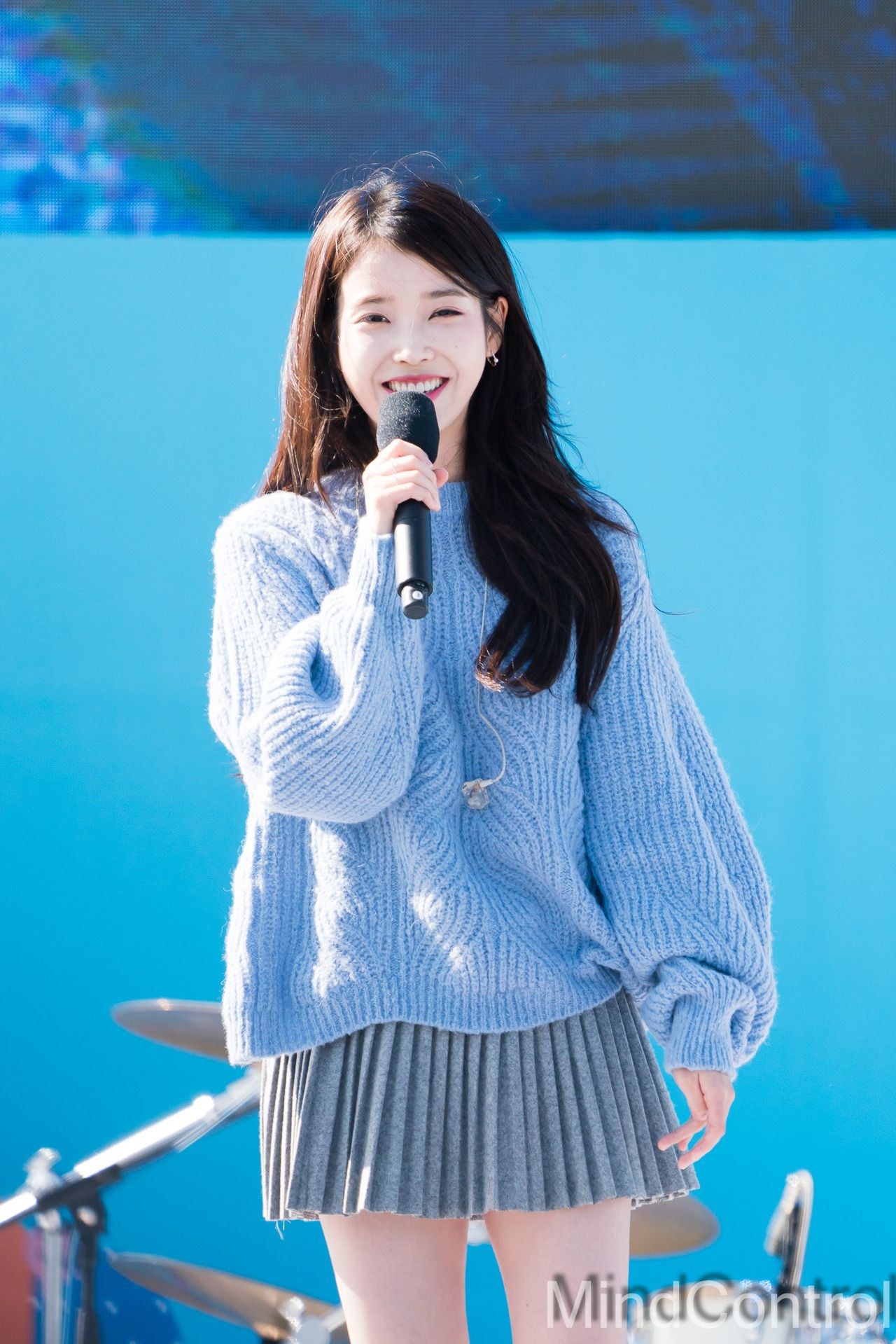 180930 Iu At Holgabun Market Festival By Mindcontrol Iu Korean Celebrities Korean Actors Actors Actresses