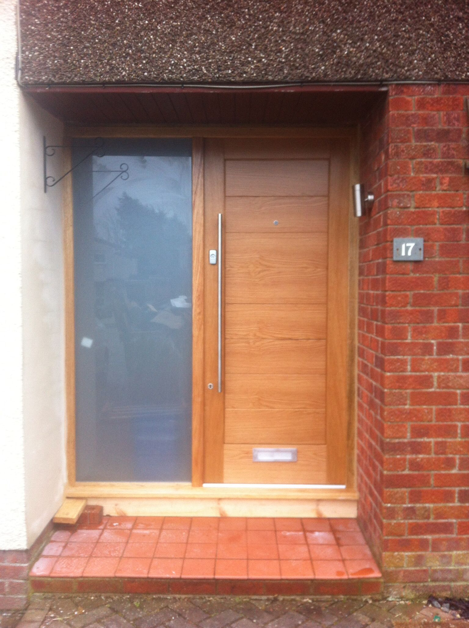 Contemporary Modena oak front door, frame and sidelight from ...