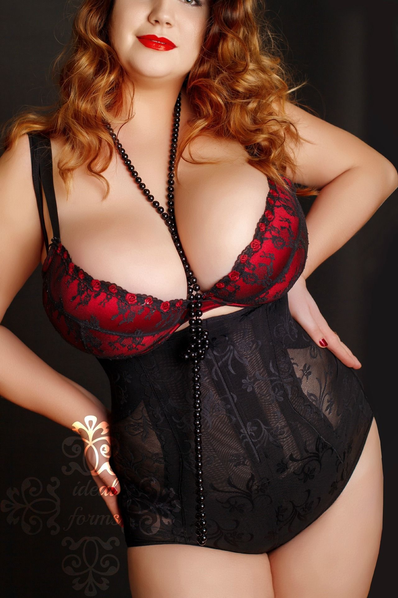 Curves In Lingerie #Girl #Women #Curves #Lingerie