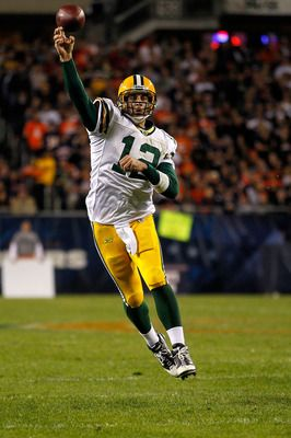 Aaron Rodgers Throwing On The Run