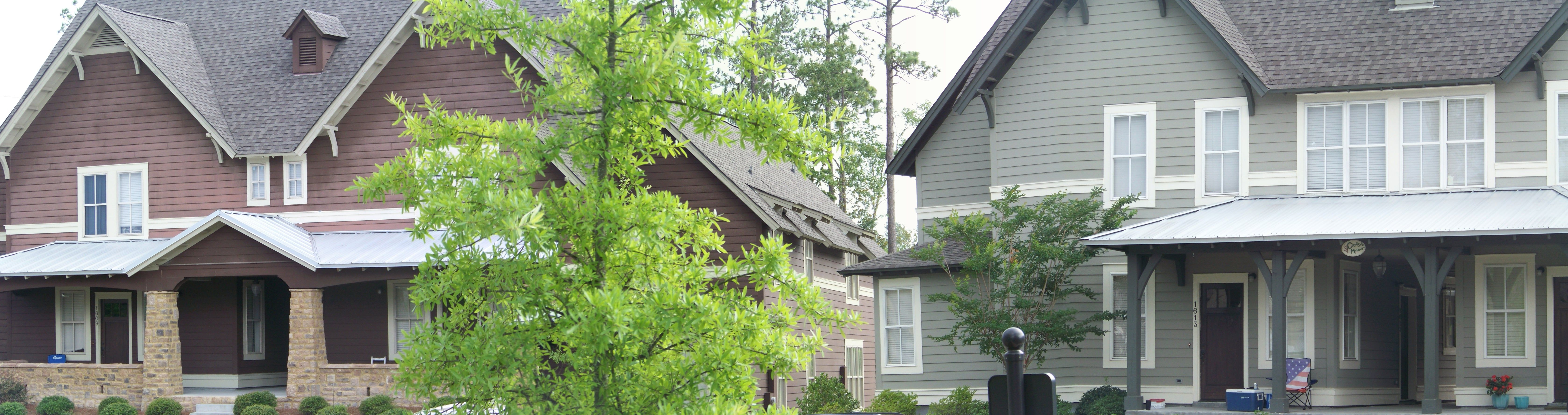 We Have 2 3 And 4 Bedroom Cottages As Well As 4 And 5 Bedroom Manors Pictured Here Outdoor Cottage Outdoor Decor