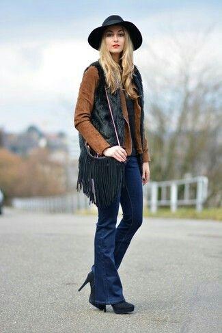 Pocas cosas tienen tanto aires #boho como una #bandolera de #flecos. #bag #fashion