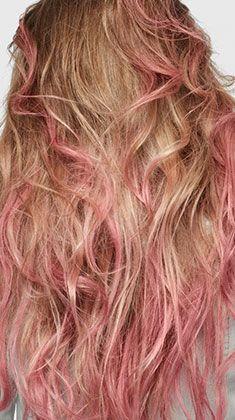 Couleur bordeau sur cheveux blond