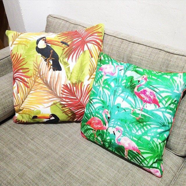Coussins fleux flamingo touche colorée et fun