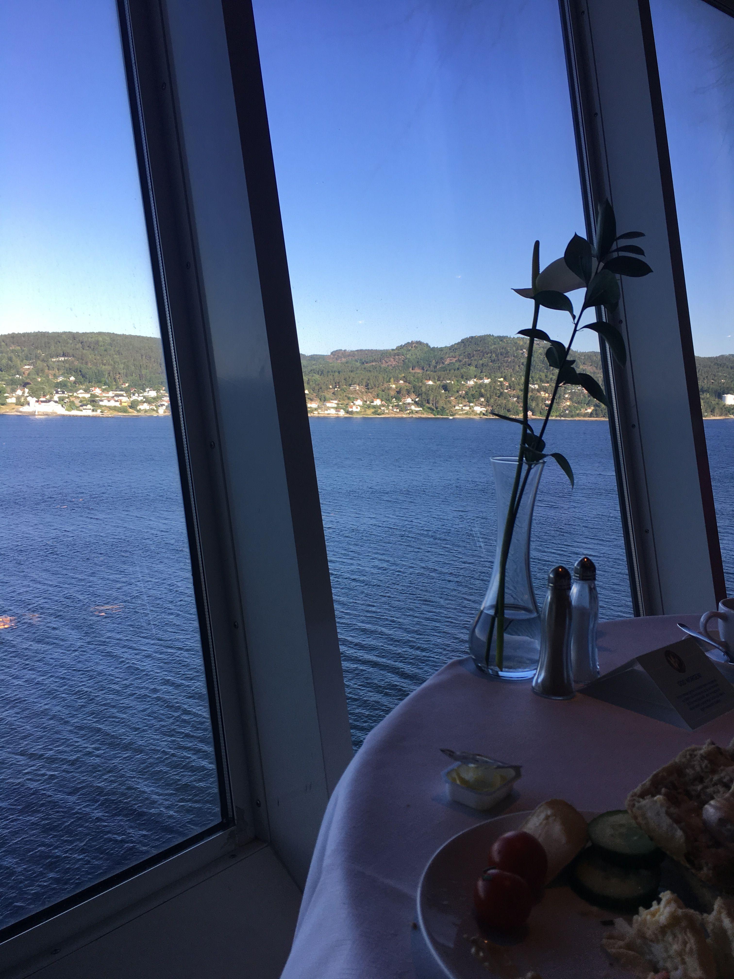 Fruhstuck In Der Observation Lounge Mit Blick Auf Den Oslo Fjord Kreuzfahrtschiff Oslo Lounge