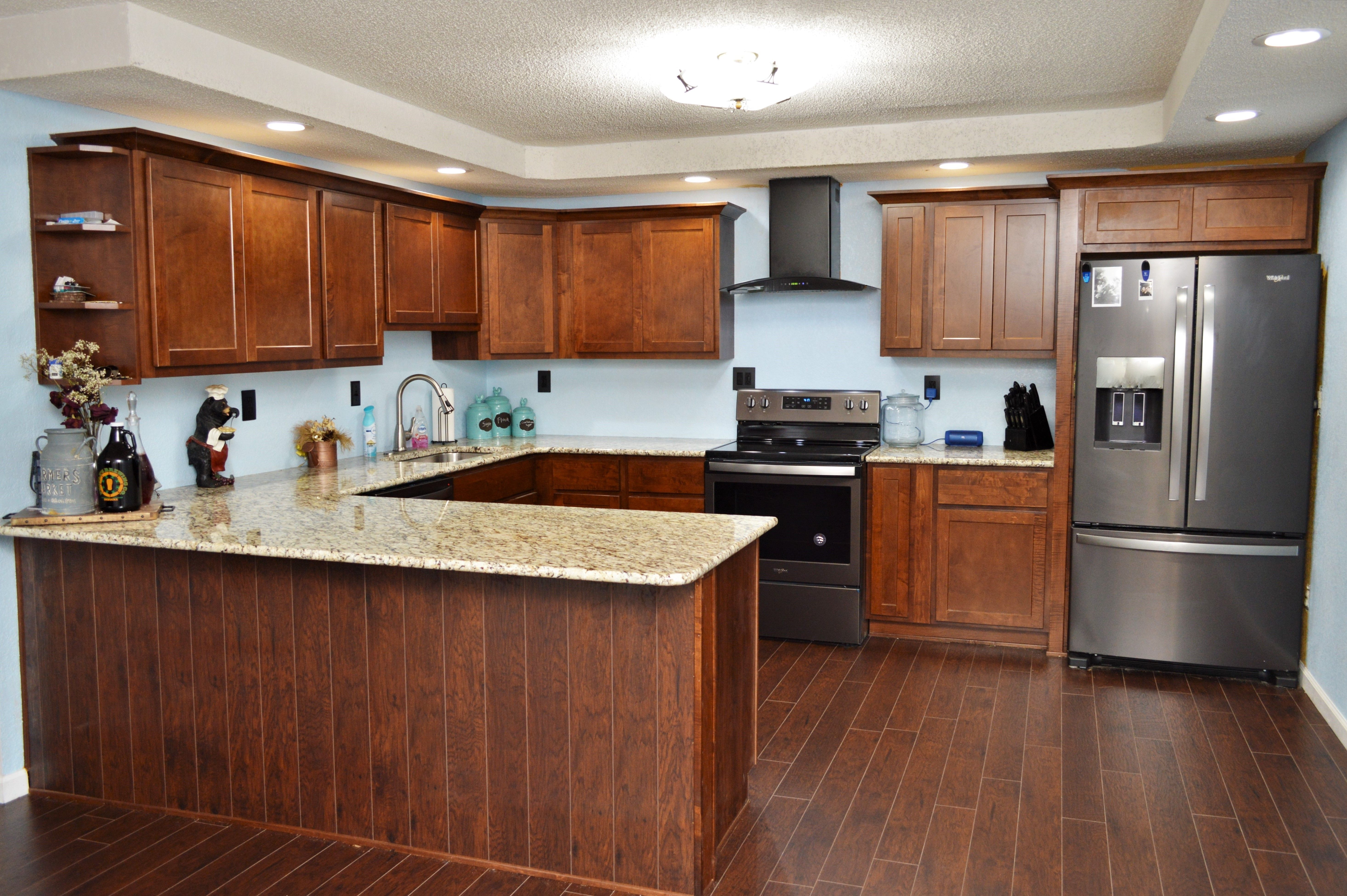 Cabinet Brand: BaileyTown USA, Wood Species: Maple ...