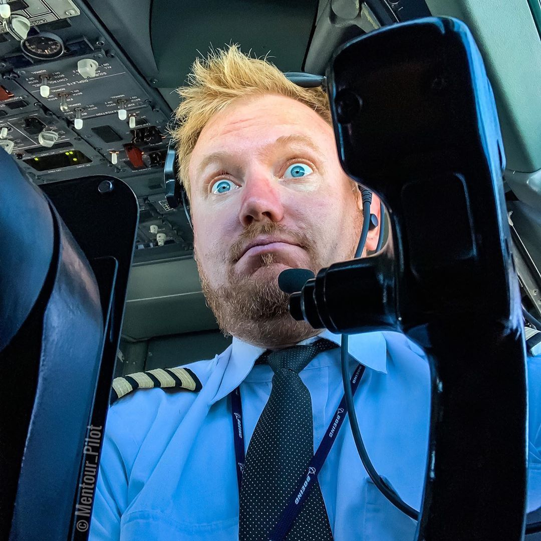 Caption this! 😂😂 whyifly avgeek boeing