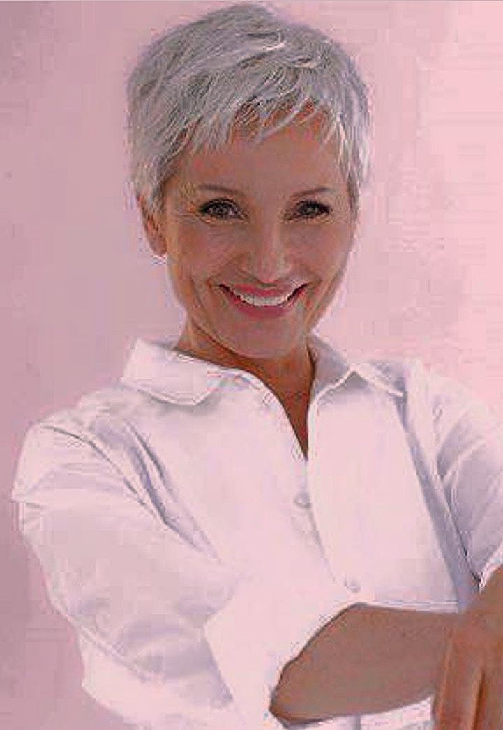 Kurzer Haarschnitt auf weißem Haar #Graues Haar #Pixie #Hohes Haar #Gerade #Von Haar … – Doris Emard