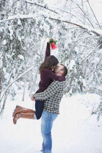 24 Winter Engagement Photos To Warm Your Heart 24 Winter Engagement Photos To Warm Your Heart Engagement Photos engagement photos winter