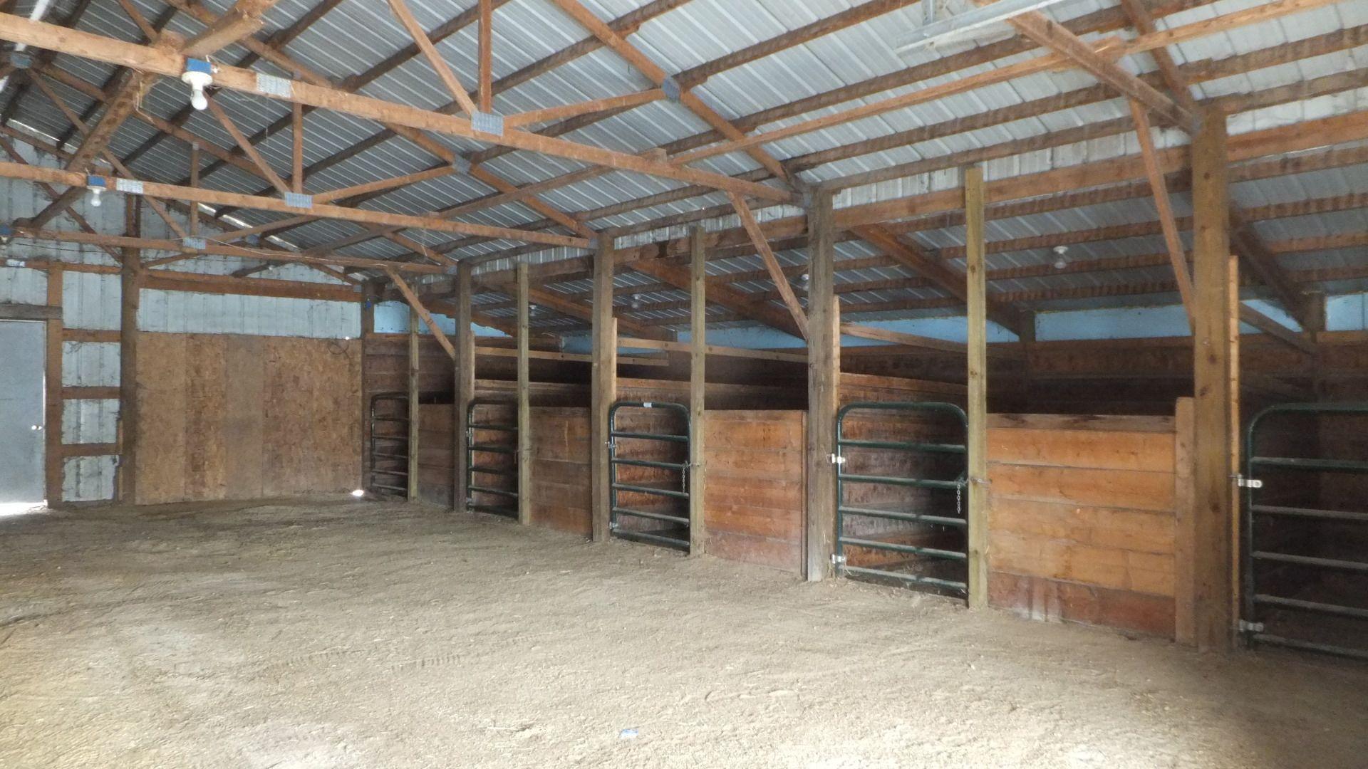 Horse Barn http://www.horsefarmandranch.com/property/5-acre-horse ...