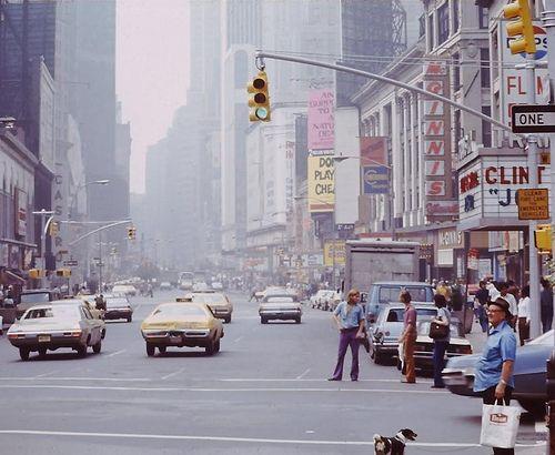 fuckyeahvintage-retro:  Broadway Avenue in NYC, 1972